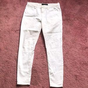 Tinsel denim white skinny jeans. Size 29